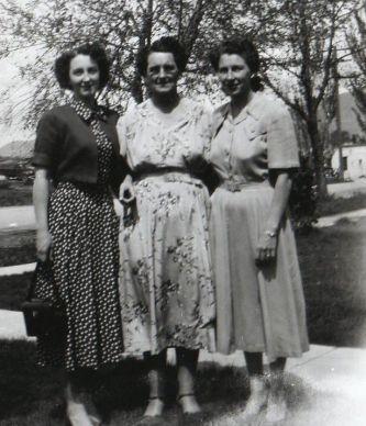Elaine Hunsaker Shuman, Elna Anderson Hunsaker, & Edith Hunsaker Bronson